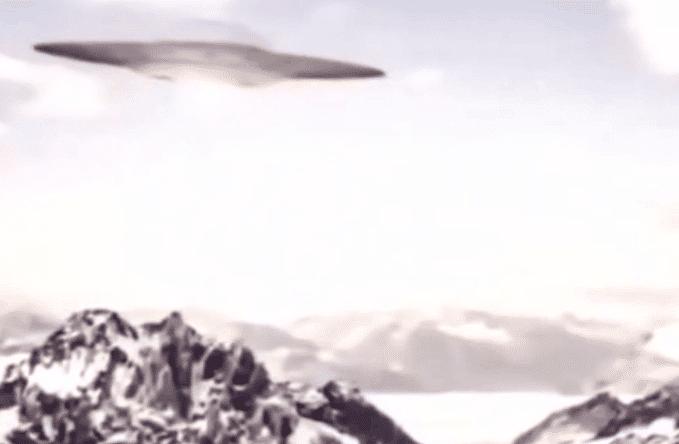 多国科考站目击UFO飞向南极,南极腹地地下到底藏有多少秘密?