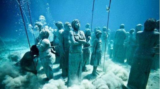 仍然悬而未解的十大谜团 日本海底远古建筑体