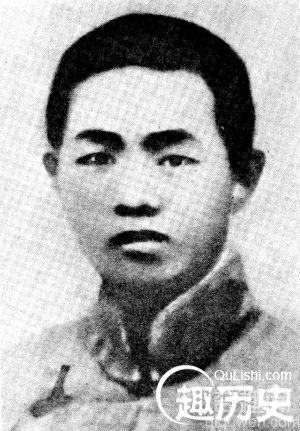 30年李韶九肃反使酷刑:男点天灯 女烧下体