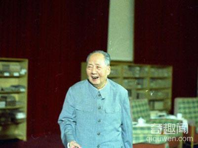毛泽东最后的生日发生何事让工作人员流泪隐瞒