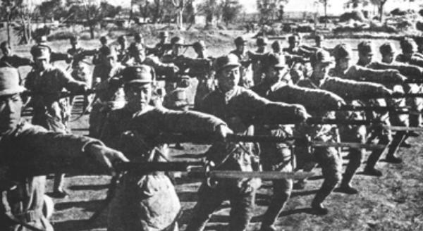 四大野战军有十三个司令员,他们分别是谁?最后都是什么军衔?