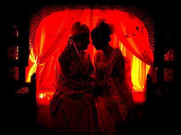 """新婚之夜为何称作""""洞房花烛夜"""""""