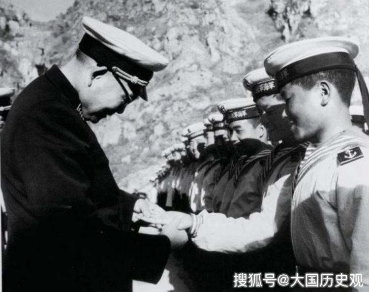 中国海军第一任司令员:后代有3将军2副主席,儿媳是著名歌唱家