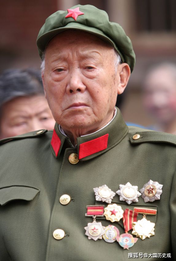 农民声称自己曾是红军团长,无人相信,司令亲自出面为他证明!