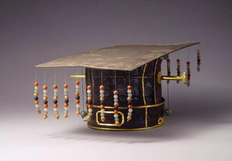 古代皇帝都戴什么帽子?