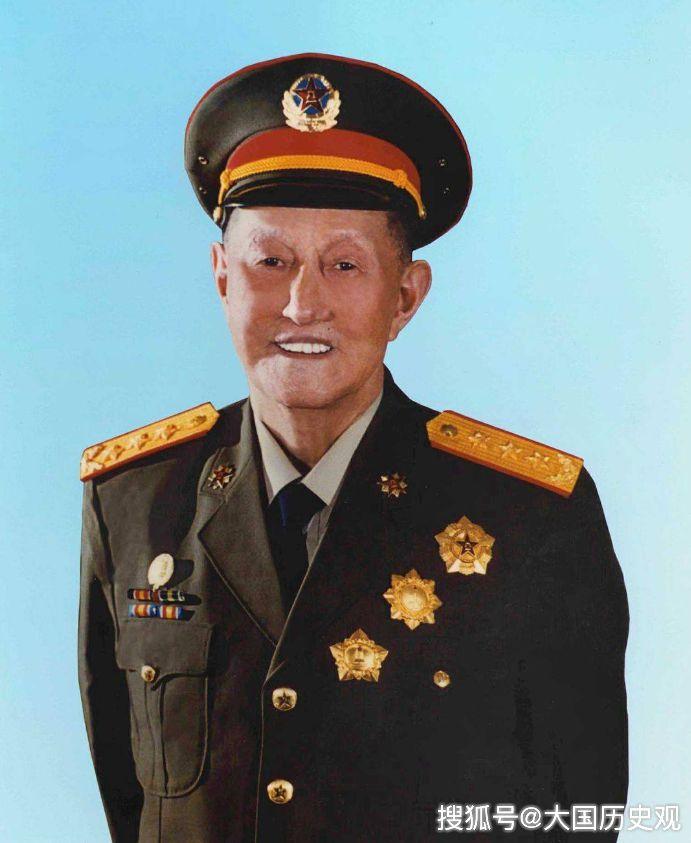"""中国唯一""""六星上将"""":妻子如今百岁高龄,儿子们都很有出息!"""